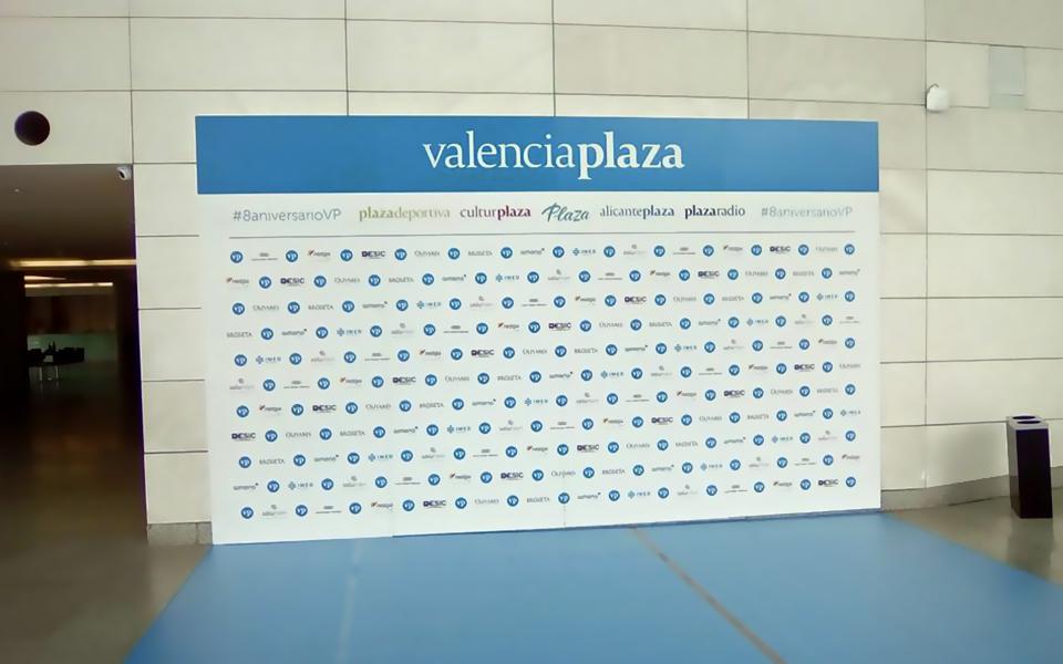 Valencia Plaza