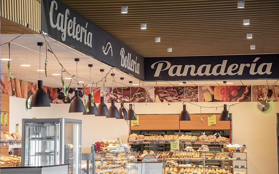 Cafetería y Panadería